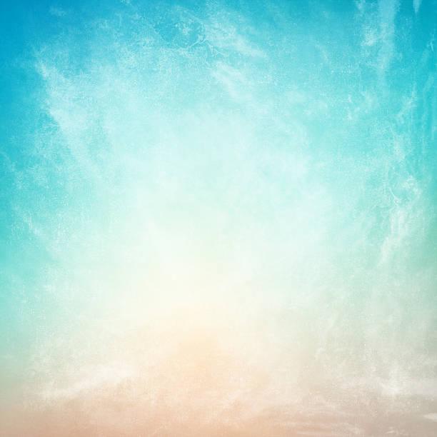 wolken auf einem strukturierten vintage paper hintergrund - himmel bilder stock-fotos und bilder