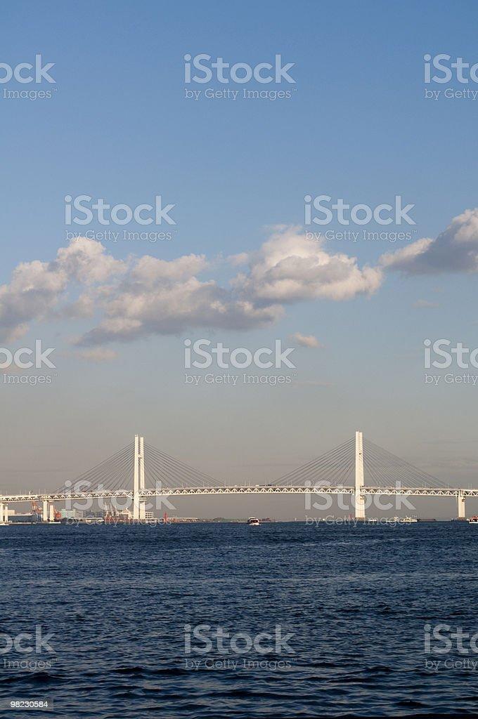 Nuvole sopra il ponte foto stock royalty-free