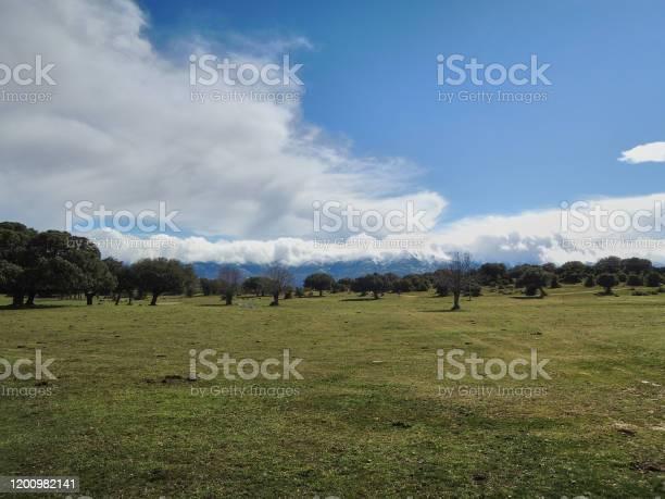 Clouds over the mountains of the sierra de gredos avila castile and picture id1200982141?b=1&k=6&m=1200982141&s=612x612&h=3yqdfnszlvbybgiurpnu kyke6cigukqbbbnngdlt9e=
