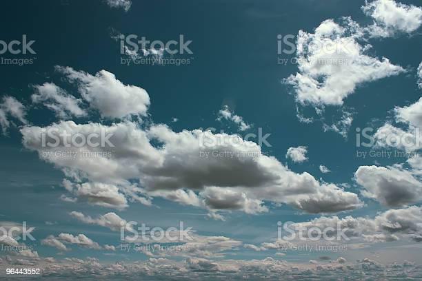 Foto de Nuvens e mais fotos de stock de Azul