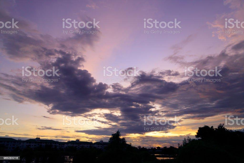 cloudscape on sunset - evening time zbiór zdjęć royalty-free