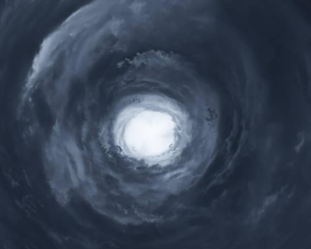 Paisaje nublado con ojo de huracán - foto de stock