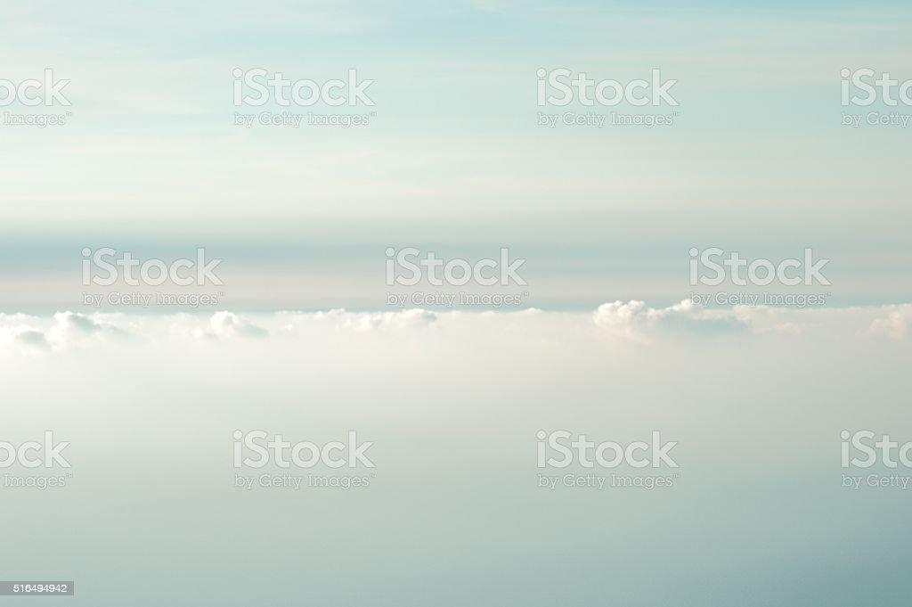 Bewölkten Himmel Hintergrund wunderschönen Landschaft mit natürlichen Weiche Farben – Foto