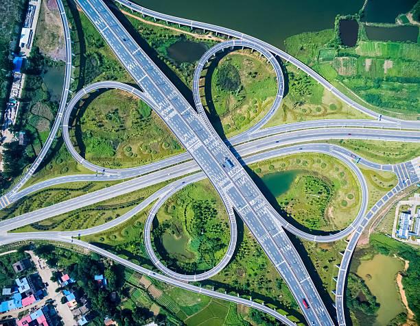 Kleeblatt-Anschlussstelle Autobahn – Foto