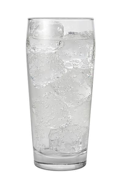 クラブソーダ水、クリッピングパスの分離 - 炭酸飲料 ストックフォトと画像
