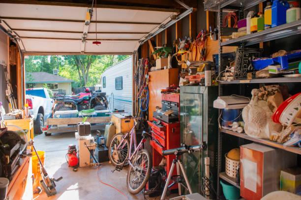 cluttered garage home storage room in denver colorado - desarrumação imagens e fotografias de stock