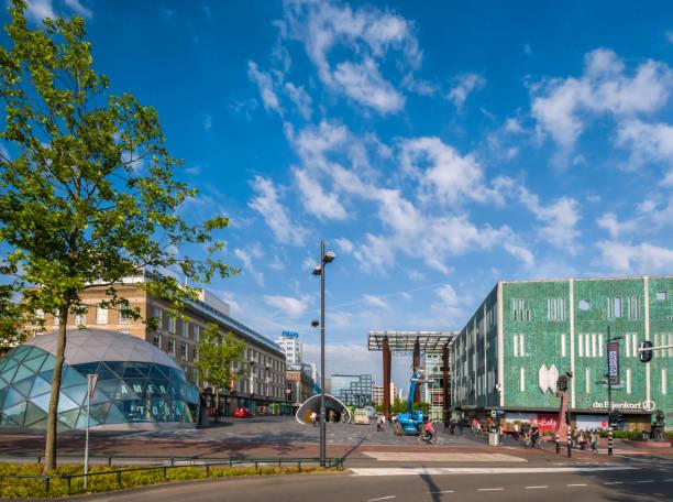 cneter van eindhoven, nederland - eindhoven city stockfoto's en -beelden