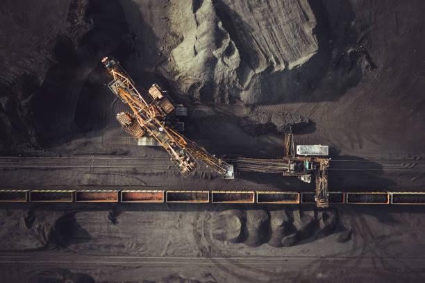 wydobycie węgla z góry - geologia zdjęcia i obrazy z banku zdjęć