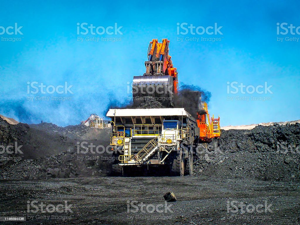 Coal Truck getting loaded - Royalty-free Australia Stock Photo