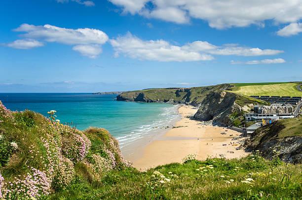 Küste von Cornwall an einem klaren Frühlingstag – Foto