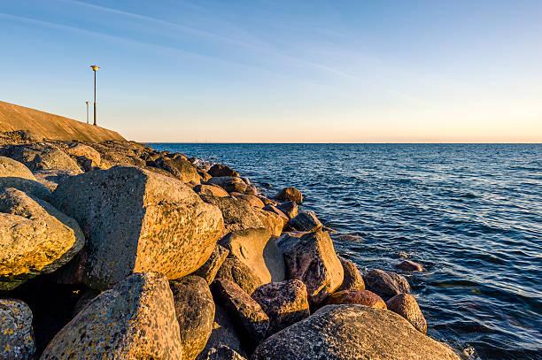 coast: oresund at sunset - öresund bildbanksfoton och bilder