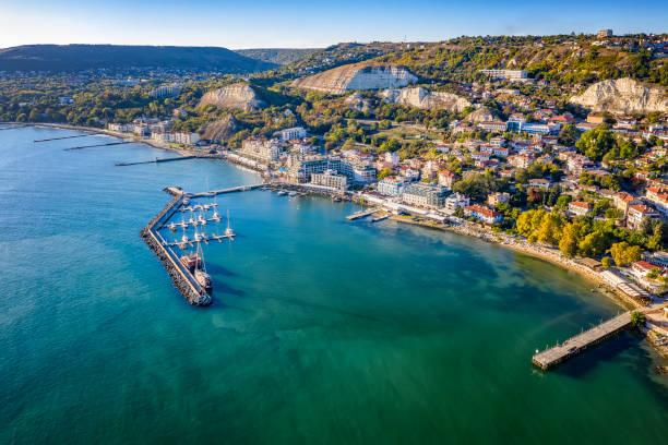 coastal city - bulgarije stockfoto's en -beelden