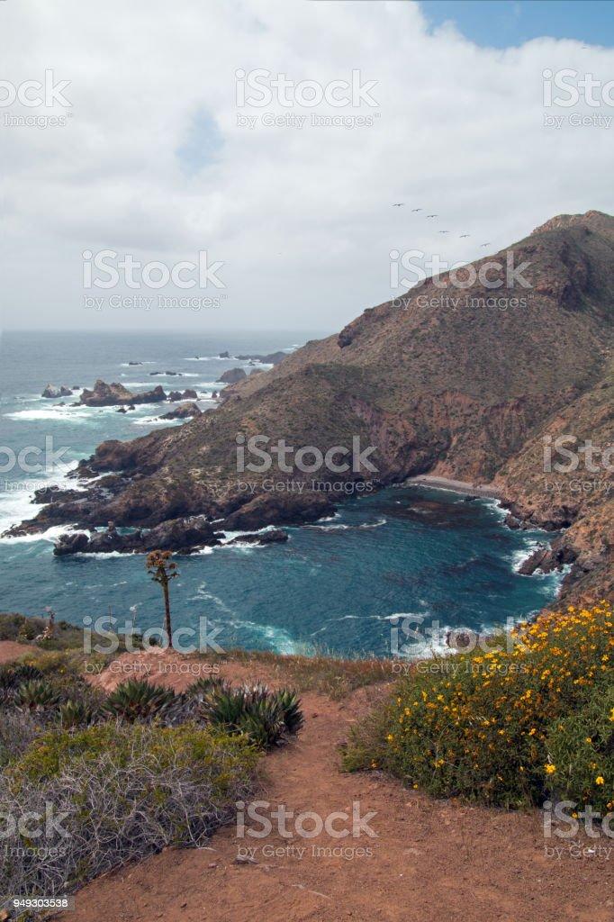 Ensenada costera entre Ensenada y La Bufadora en la costa de Baja California México - foto de stock