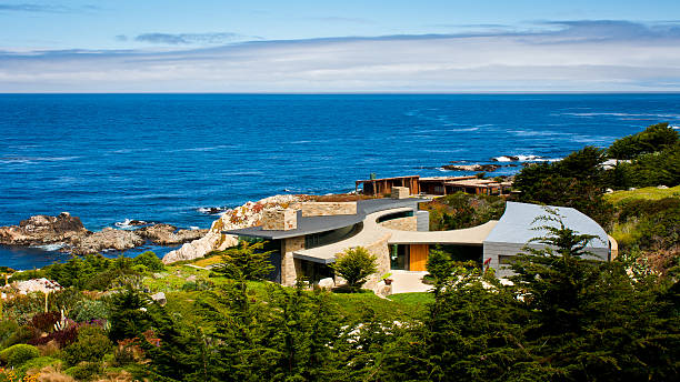 coastal house - outcrop stock pictures, royalty-free photos & images