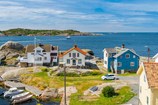 coastal summer vacation homes - bohuslän nature bildbanksfoton och bilder