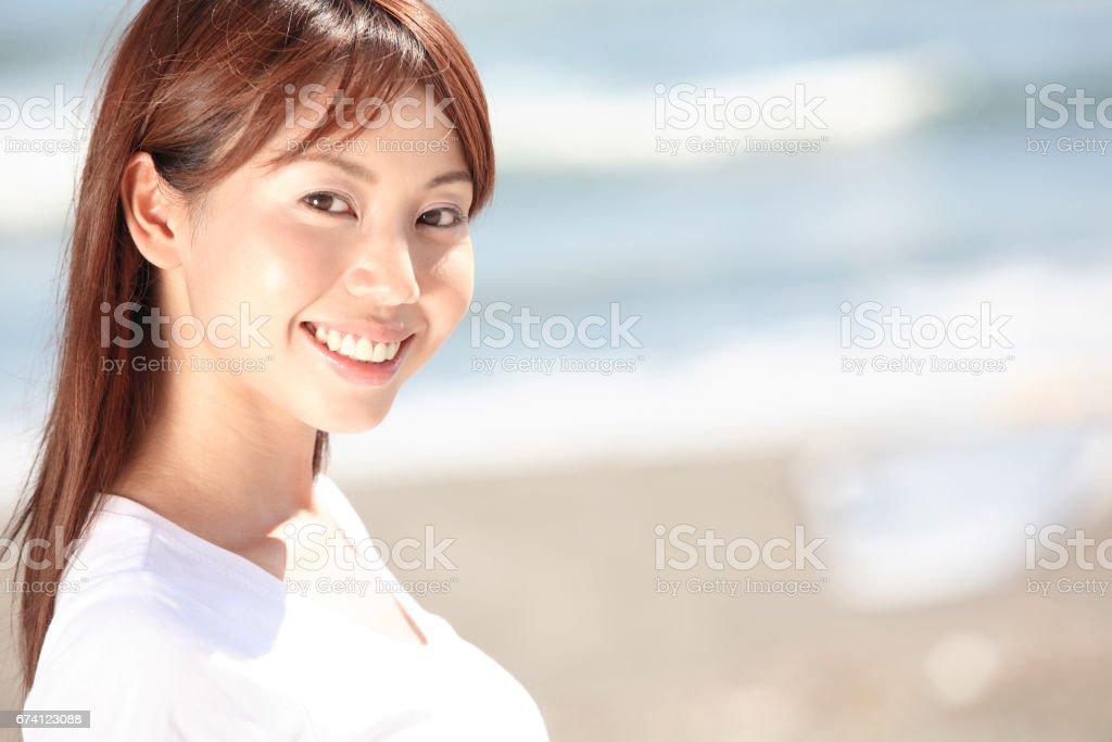 沿海的婦女 免版稅 stock photo