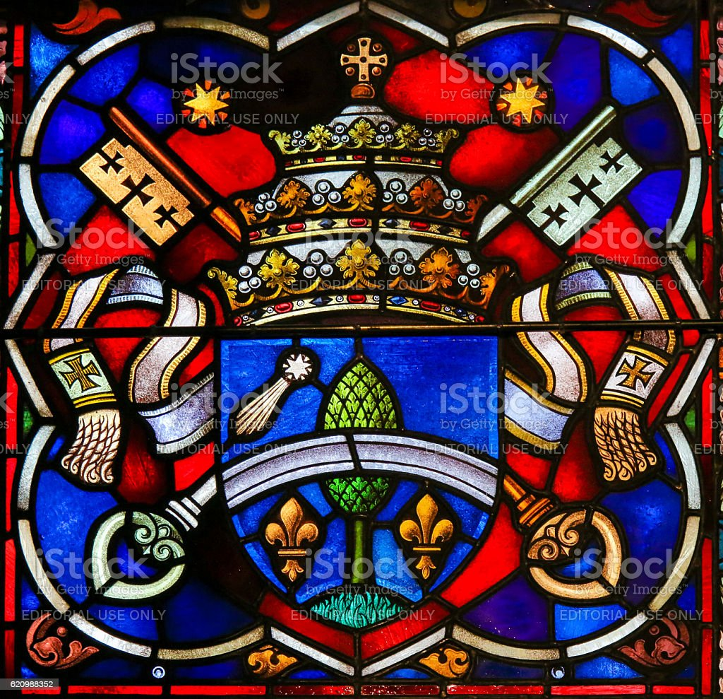 Coat of Arms - Stained Glass in Mechelen Cathedral foto royalty-free