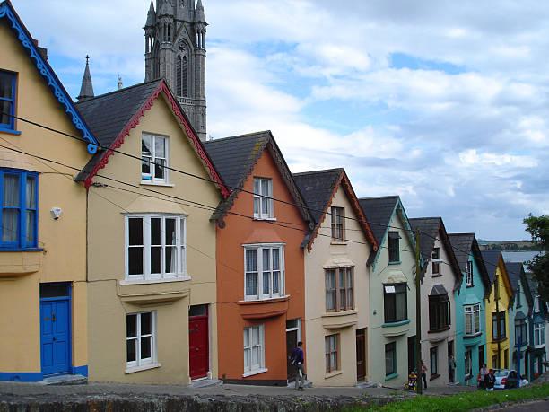 cobh houses ireland - fsachs78 stockfoto's en -beelden