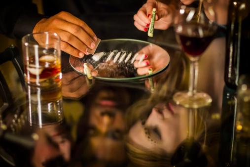 istock Cocaine Party 171573173