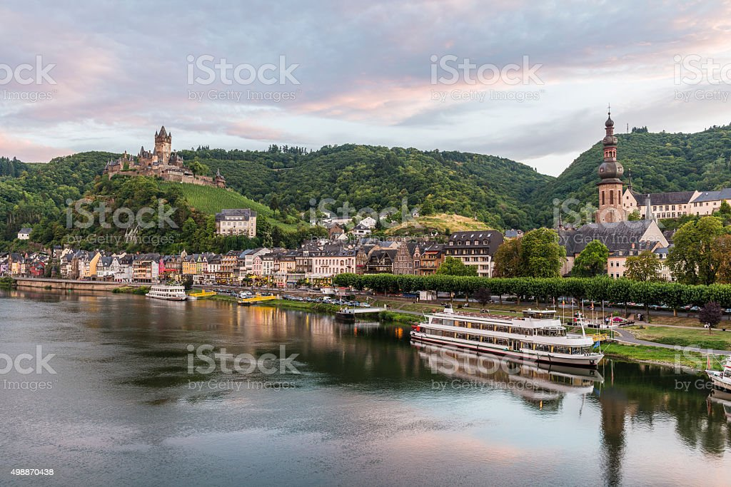 Cochem, Mosel River, Germany at dusk​​​ foto