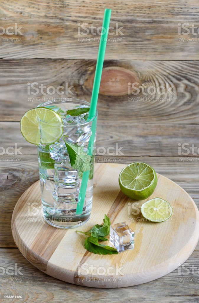Cocktail, lime, mint leaves, ice zbiór zdjęć royalty-free