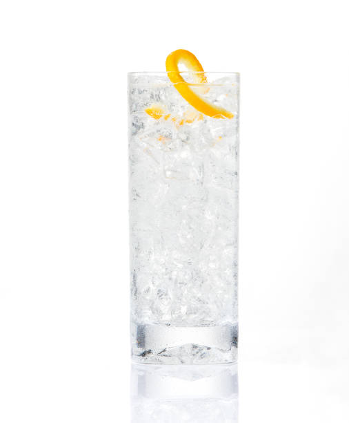Cocktail craft cocktail on white background tonic water stock pictures, royalty-free photos & images