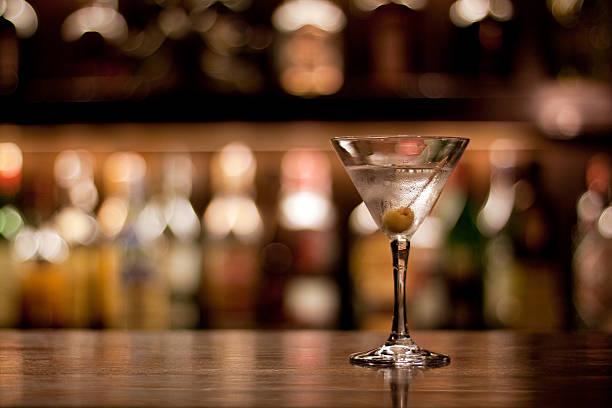 cocktail - cocktails mit wodka stock-fotos und bilder