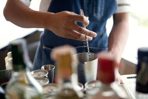 Cocktail Zubereitung – Foto