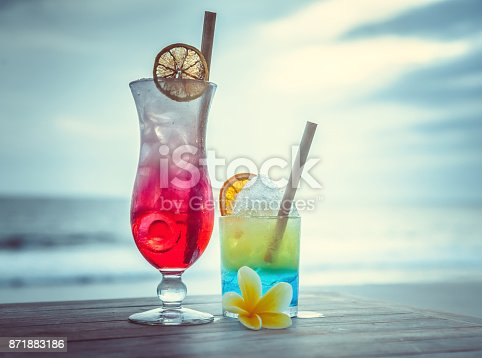 istock Cocktail with ocean view 871883186