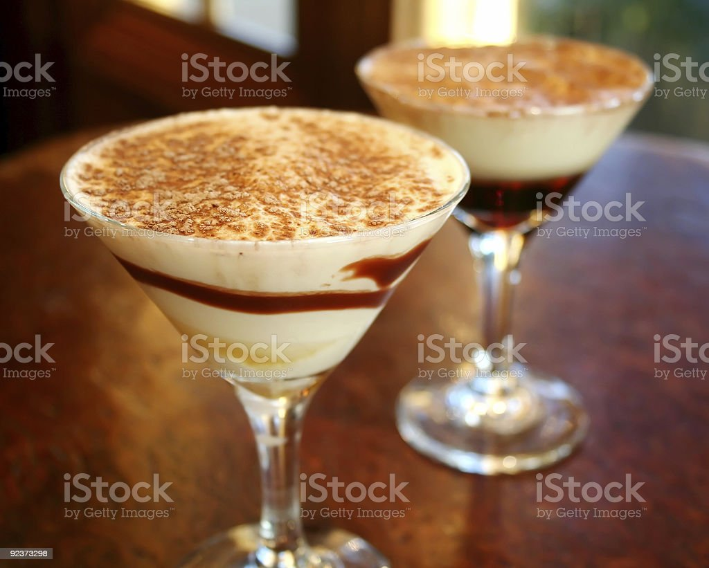 Cocktails bei Sonnenuntergang 1 Lizenzfreies stock-foto