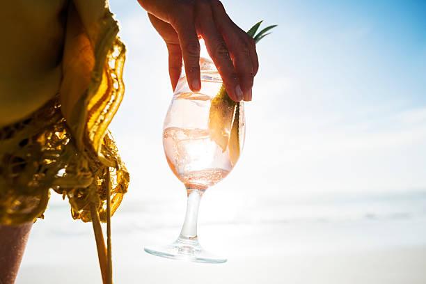 Cocktail al tramonto - foto stock