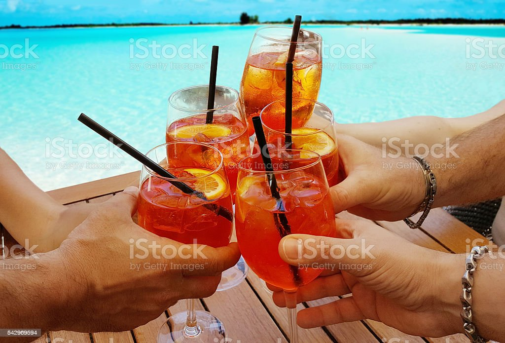 Cocktails by the sea - foto stock