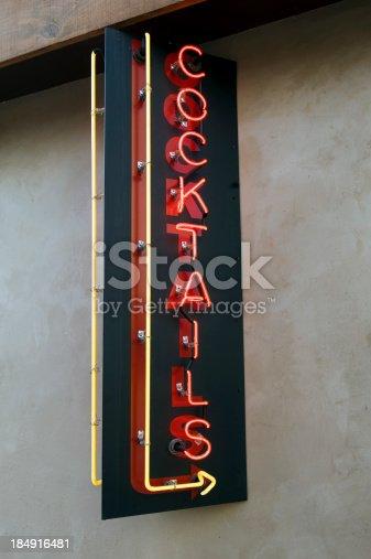istock Cocktails neon 184916481