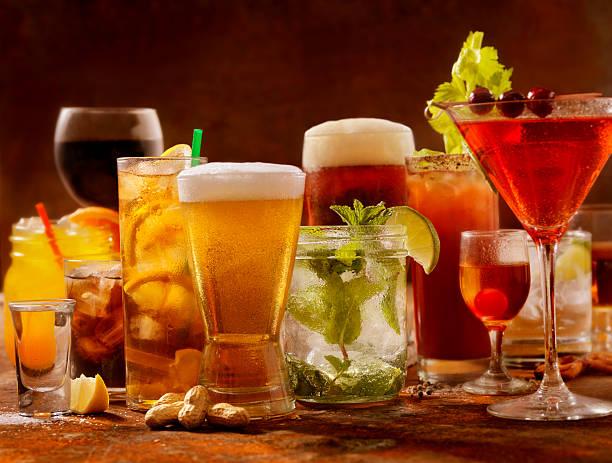 cocktails - alkoholfreies getränk stock-fotos und bilder