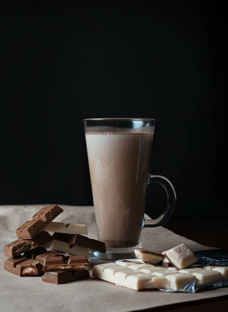kakao-getränk - kaffee protein shakes stock-fotos und bilder