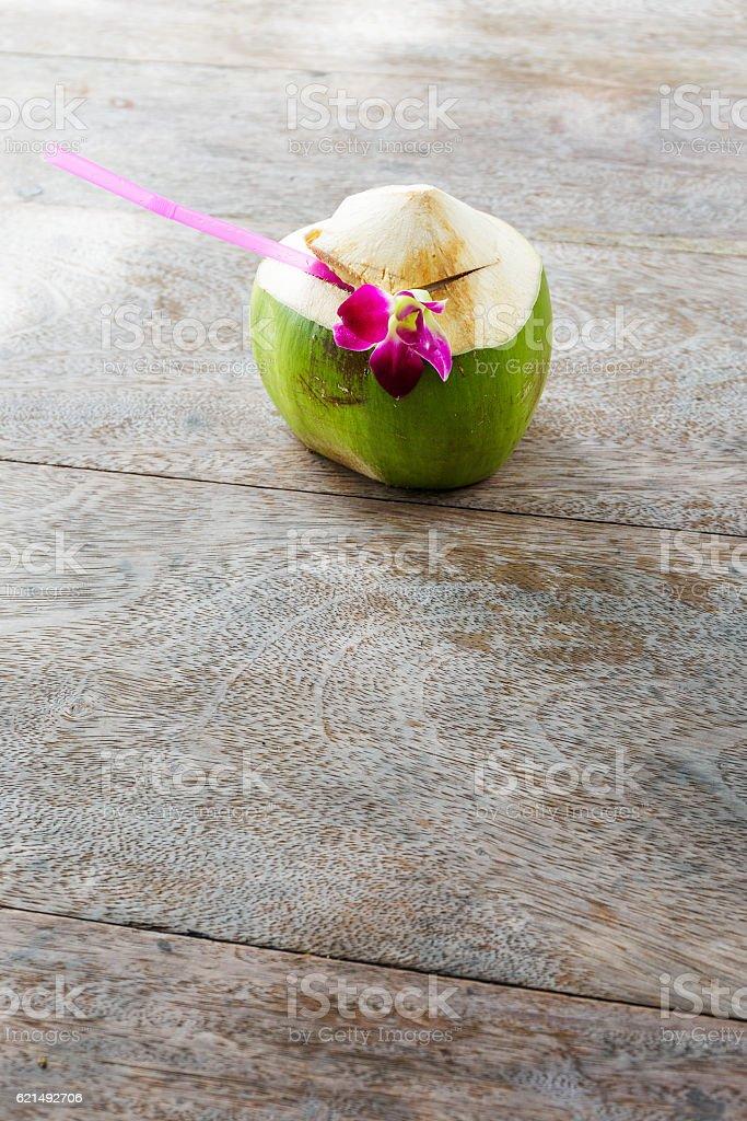 Coconut drink on beach photo libre de droits