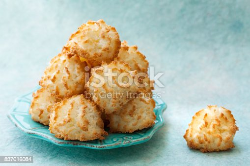 istock Coconut Macaroon on Turquoise Background 837016084