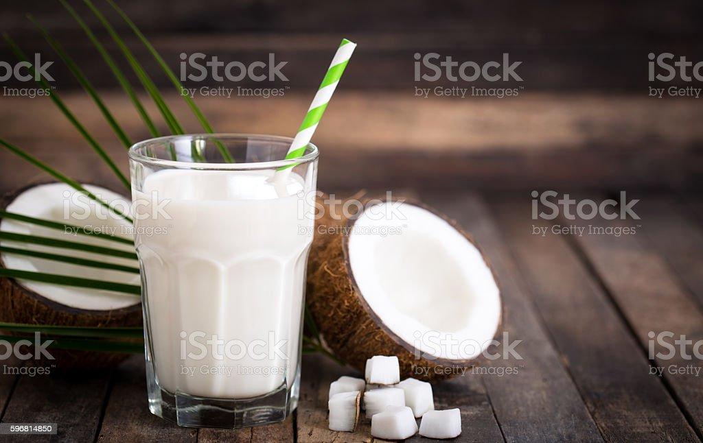 Coconut milk in the glass - foto de acervo