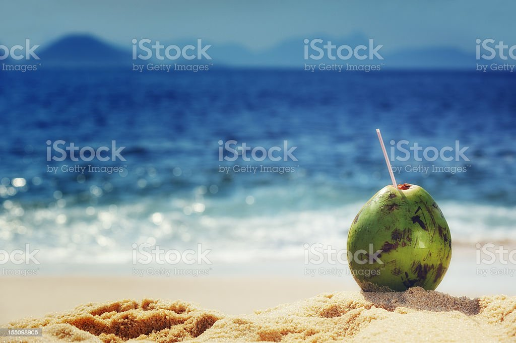 Coco nas praias do Rio de Janeiro - foto de acervo