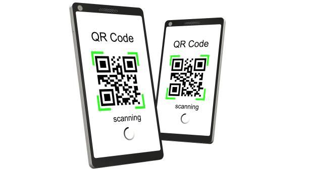 QR-Code scannen mit modernen Touchscreen-Smartphone - isoliert auf weiss – Foto