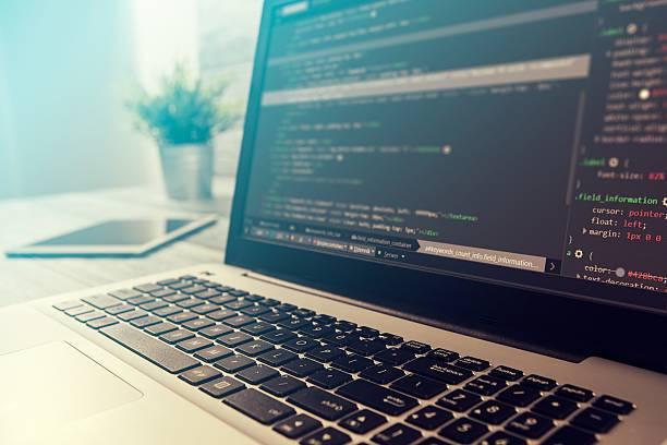 codierungcode-programm compute coder entwickeln entwicklerentwicklung - html stock-fotos und bilder