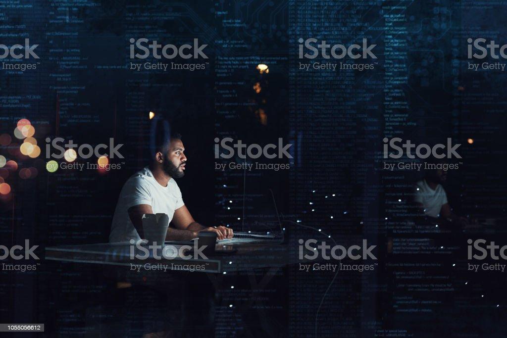 Codierung bis spät in die Nacht – Foto