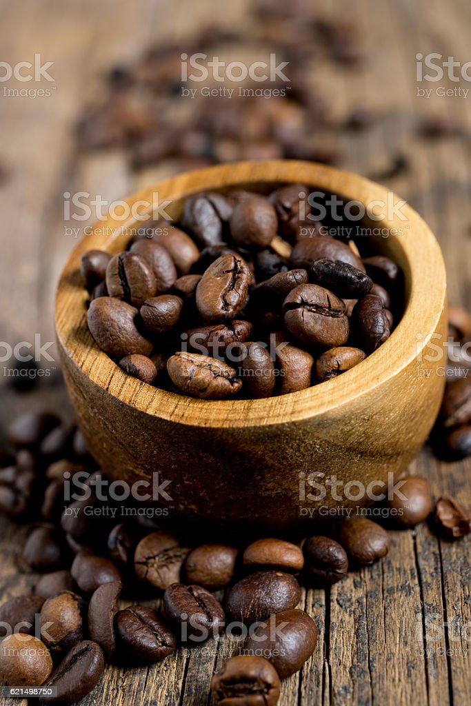 coffe beans on wood foto stock royalty-free