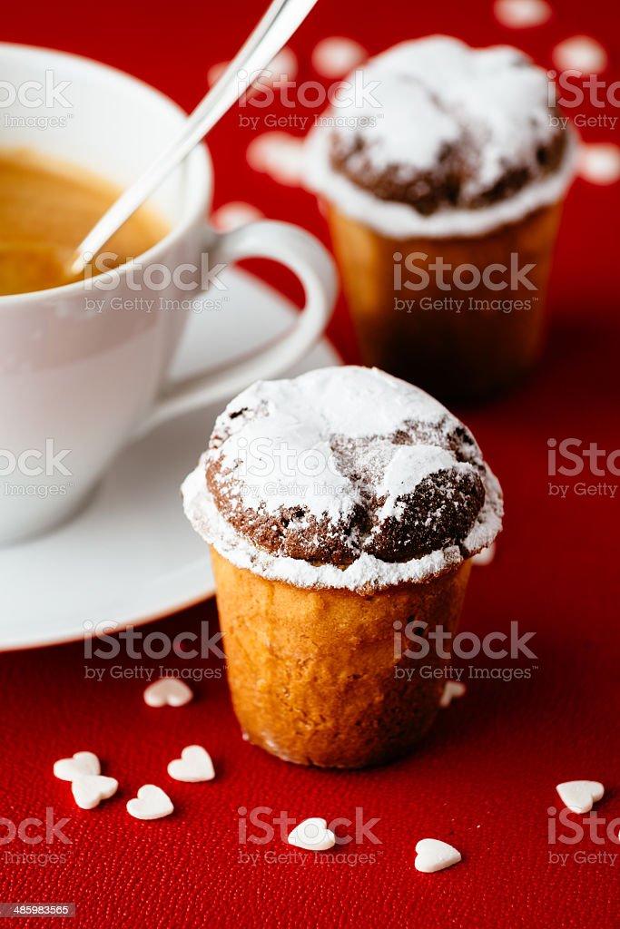 Kaffee und Mandel-Torte für Frühstück – Foto