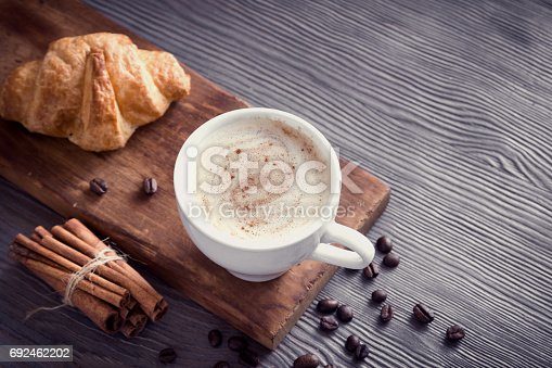 istock Coffee and croissant 692462202