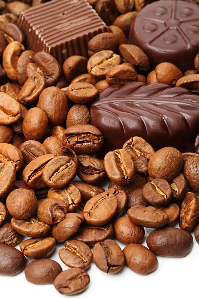 원두커피, 초콜릿 - 커피 마실 것 뉴스 사진 이미지