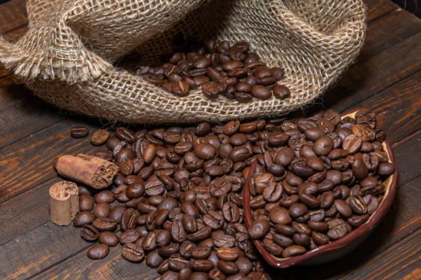 Kaffeebohnen aus der Tasche – Foto