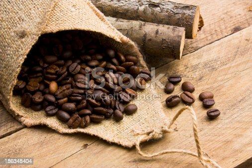 istock Coffee beans 186348404