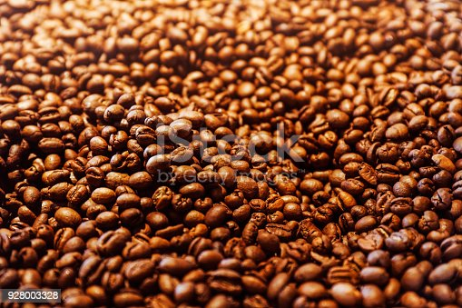 842365806 istock photo Coffee beans 928003328