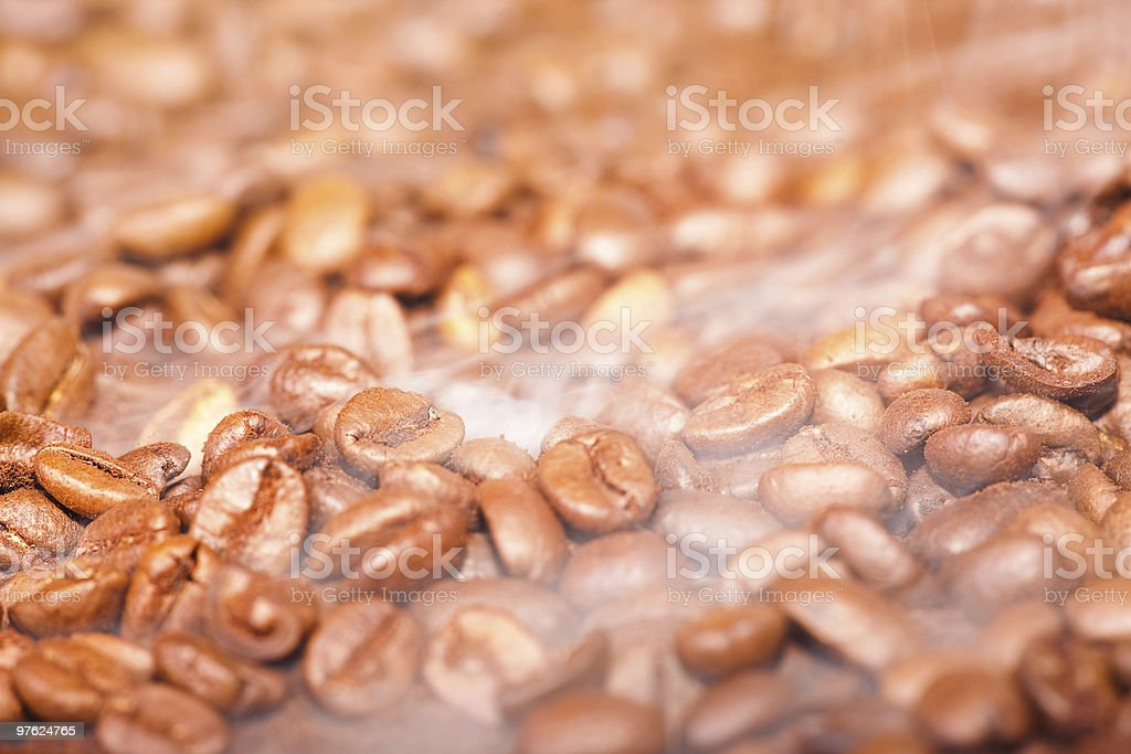 Grains de café (shallow DoF photo libre de droits